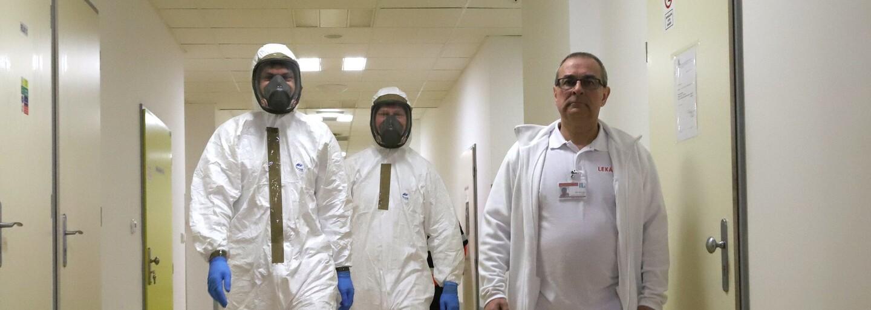 Koronavirus v Česku. Nakažený profesor přišel do kontaktu s 20 studenty a 24 pedagogy