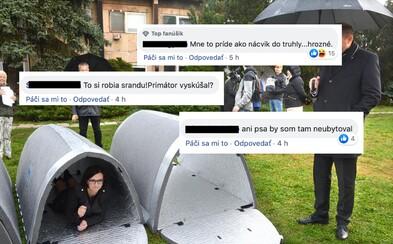 Košice predstavili 5 prístreškov pre bezdomovcov. Ľudia primátora vysmiali, vraj vyzerajú ako búdy pre psov