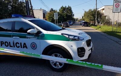 Košickí policajti našli v šachte telo ženy. Niekto ju zavraždil