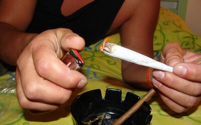Kouření marihuany neprospívá tvému srdci. Může dokonce způsobit vážné komplikace, uvádí nové medicínské stanovisko