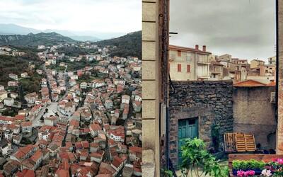 Kouzelné městečko na Sardinii prodává domky za jedno euro. Jeho starosta přišel s nabídkou, která se neodmítá