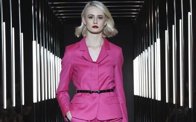 Kozmická uletenosť, udržateľná móda či minimalizmus. Fashion LIVE! má úspešne za sebou prvý prehliadkový deň