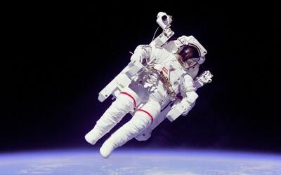 Kozmonaut z Nigérie uviazol po rozpade ZSSR vo vesmíre. Prispej na jeho záchranu a on ťa odmení, vyzýva podvodná správa