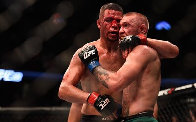 Kráľ je späť! Conor McGregor sa po heroickom výkone raduje z víťazstva nad Diazom a žiada tretí zápas