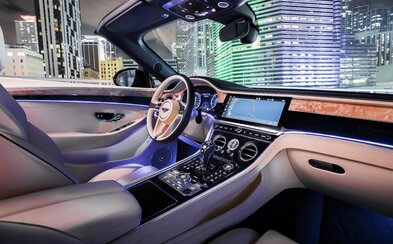 Král luxusních GT dostal novou 550koňovou V8 a systém odpojování válců