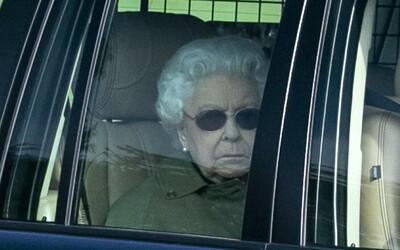 Kráľovná Alžbeta II. pre koronavírus odchádza z Londýna. Zrušila záhradné oslavy a presunie sa na vidiecke sídlo
