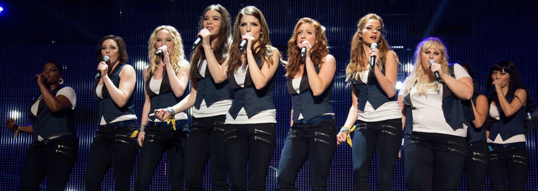 Krásky z Pitch Perfect 3 majú posledný pokus nakopnúť hudobnú kariéru. Ináč ich po vysokej škole pohltí krutá pracovná realita