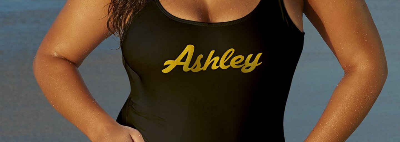 Krásna Ashley Graham zo seba zhodila všetky šaty v mene boja za to, aby ženy milovali svoje telá. Nič si nerobí z celulitídy ani zo strií