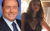 Krásne ženy a moc. Autor Mladého pápeža a Veľkej nádhery prichádza s dramatickým príbehom politika Silvia Berlusconiho