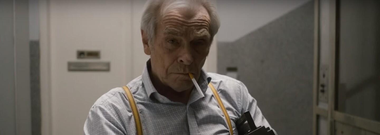 Krásnu Slovenku bude v komédii plnej trefných hlášok baliť cynický dedko