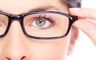 Krátkozrakosťou bude o niekoľko rokov trpieť polovica svetovej populácie. Čo o nej vieme?