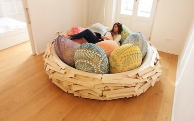 Kreatívny a pohodlný kus nábytku v tvare hniezda