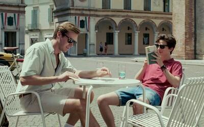 Kritikmi zbožňovaná snímka Call Me By Your Name o zakázanom vášnivom vzťahu odhaľuje obrázky, ktorými sa nás snaží nalákať do kina