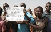 Krize v Súdánu vrcholí. Obyvatelům vypnuli internet, ale vytoužené volby jsou již na dohled