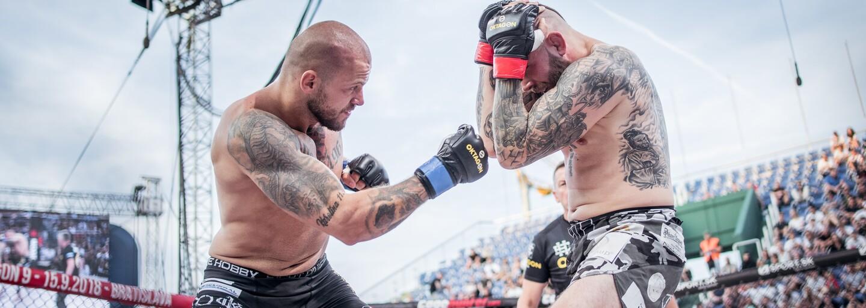 Krvavá MMA show pod otevřeným nebem: Oktagon 7 do Prahy