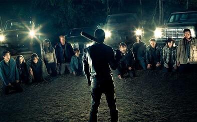 Krvavý trailer pre 7. sériu The Walking Dead nás pripravuje na smrť jednej z postáv a potvrdzuje Ezekiela