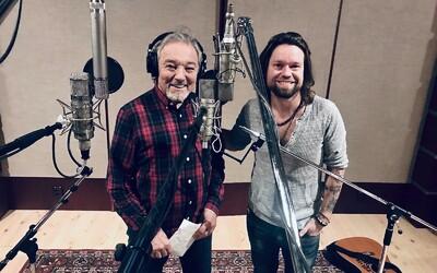 Kryštof spolu s Karlem Gottem vydávají skladbu Vánoční