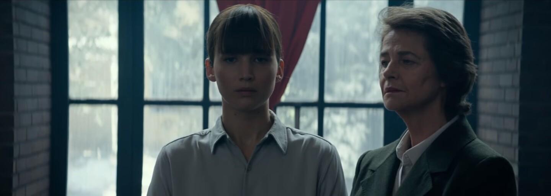 Kdo podlehne tělu Jennifer Lawrence, stane se její obětí. V sexy thrilleru Red Sparrow se z ní totiž stala nebezpečná špionka