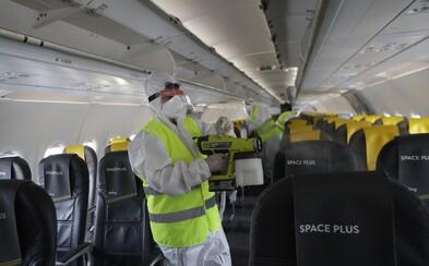 """Kto si dá dole rúško, pôjde """"do kúta"""", uvádza ruský letecký dopravca"""