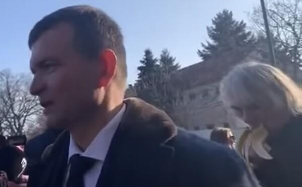 Kto si uťahoval z Jaroslava Haščáka, kým odpovedal na otázky novinárov? Na videu pred celým Slovenskom pripomenul kauzu Gorila