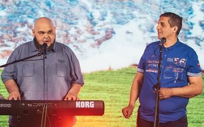 Kuky Band prespievali hit od DMS. Sleduj, ako rómska kapela spieva slohy Separa a Dameho