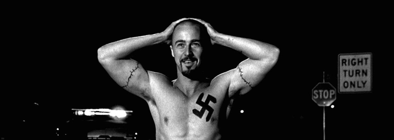 Kult hákového kríža je dramatický film plný rasovej nenávisti, ktorý je aktuálny aj takmer 20 rokov po uvedení do kín