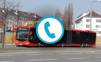 Kuriózne žiadosti cestujúcich na infolinke dopravného podniku: Predaj šteniatok, otvorené hraničné priechody alebo zmeškané rande