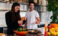 KVÍZ: Vieš, čo sa s jedlom robí, ak sa fermentuje, pošíruje alebo blanšíruje?