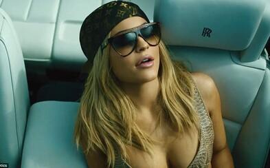 Kylie Jenner sa pokúša o rap, no tentokrát jej pekná tvárička nepomohla