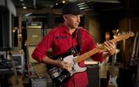 Kytarista Tom Morello žádá o pomoc při evakuaci hudebnic z Afghánistánu