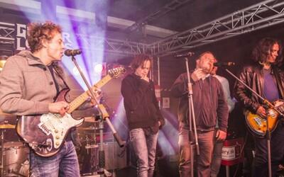 Kytary.sk priniesli do schátranej budovy naozaj kvalitnú rockovú akciu (Fotoreport)