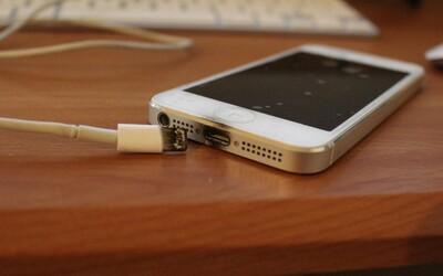 Lacné nabíjačky a káble bez certifikácie môžu zničiť tvoj smartfón. Na čo  by sme si mali pri kúpe dávať pozor?