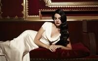 Lana Del Rey predstavuje názov pripravovaného albumu a uverejňuje desaťminútovú skladbu