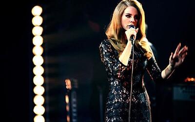 Lana Del Rey se na své turné po USA spojí s divokou rockerkou Courtney Love