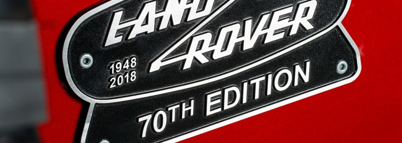 Land Rover ve velkém stylu oživil Defender. Za limitovanou edici s V8 si však nechá slušně zaplatit