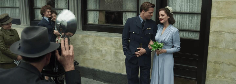 Láska dvou špionů v podání Brada Pitta a Marion Cotillard bude ve snímku Allied od Roberta Zemeckise tvrdě otestována