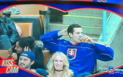 Láska k pivu byla silnější než láska k ženě. Slovenský fanoušek svým kouskem pobavil i komentátory