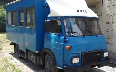 Legendárna Avia končí. Československá značka už nebude vyrábať autá, hoci mala veľké plány