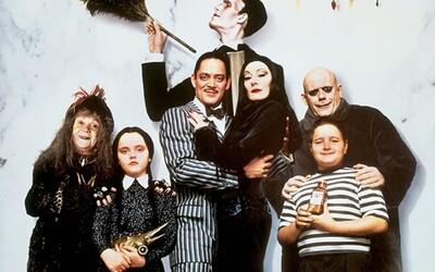 Legendárna Rodina Addamsovcov opäť mieri na strieborné plátna. Zrežíruje ju autor Sausage Party