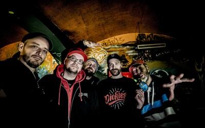 Legendární hiphopová formace Chaozz se vrací. Probíhající turné doprovodí živá kapela