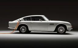 Legendárny Aston Martin Jamesa Bonda dostane elektrický pohon. Záujemcov však vyjde poriadne draho