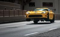Legendárny Dodge Viper sa viac-menej lúči v ďalšej perfektnej reklame od Pennzoilu