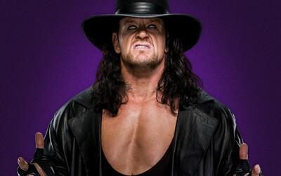 Legendárny wrestler Undertaker potvrdil svoj odchod do dôchodku: Keď sa s WWE lúčil v ringu pôsobil rozcítene