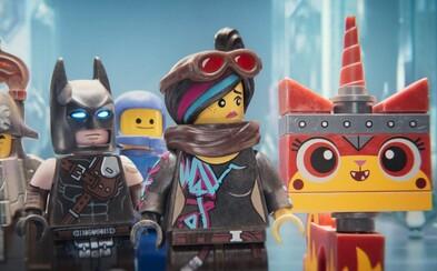 Lego príbeh 2 sa chce páčiť deťom aj dospelým, no práve kvôli tomu nakoniec zlyháva (Recenzia)