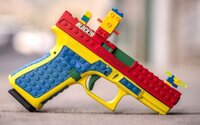 Lego sabotuje boj proti terorizmu. Zbraň zo skladačky v ruke mladého chlapca spustila v Nemecku masívnu operáciu