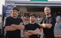 Len tri týždne po otvorení ich pozvali ako čestných hostí na brazílsku ambasádu. Toto je nový brazílsky street food Cariocas