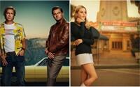 Leonardo DiCaprio, Brad Pitt a Margot Robbie odhaľujú na plagátoch Tarantinov 9. film o búrlivých 70. rokoch v Hollywoode
