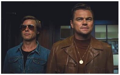 Leonardo DiCaprio vraždí v bláznivom Tarantinovom filme náckov plameňometom a poškuľuje po sexy Margot Robbie