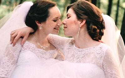 Lesbická svadba dvoch Sloveniek na Liptove. Veronika s Ivankou sa vzali aj napriek tomu, že to zákon nedovoľuje