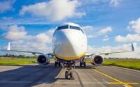 Letecká společnost Ryanair zapomněla na 50 cestujících. Letadlo omylem odletělo bez nich